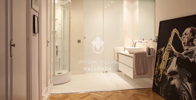 uvm152 loft flat for sale near palma bathroom 1