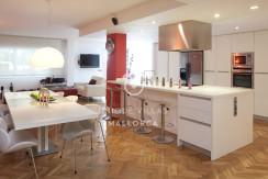 uvm52 loft flat for sale near palma dining area