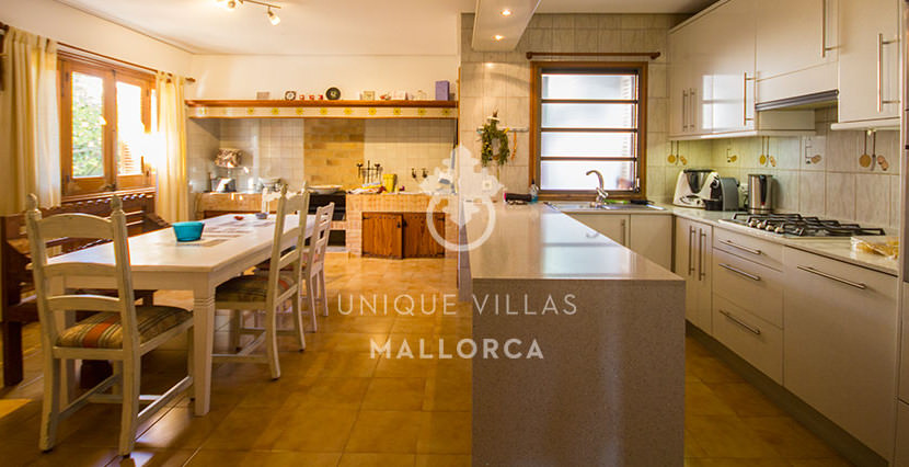 mediterranean house for sale in La Bonanova 8