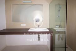 modern ground floor for sale in Santa Ponsa bathroom 1