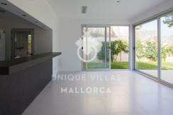 modern ground floor for sale in Santa Ponsa dining area