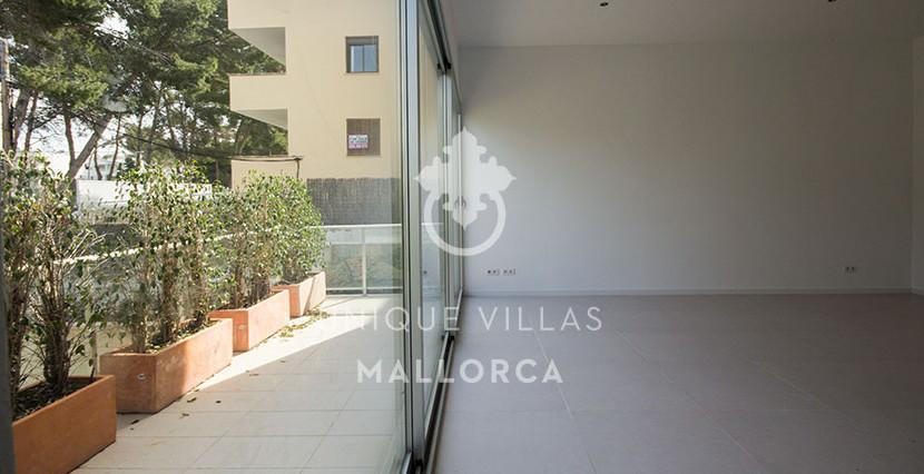 modern ground floor for sale in Santa Ponsa garden