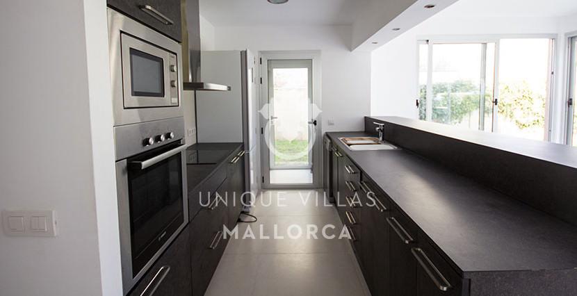modern ground floor for sale in Santa Ponsa open kitchen