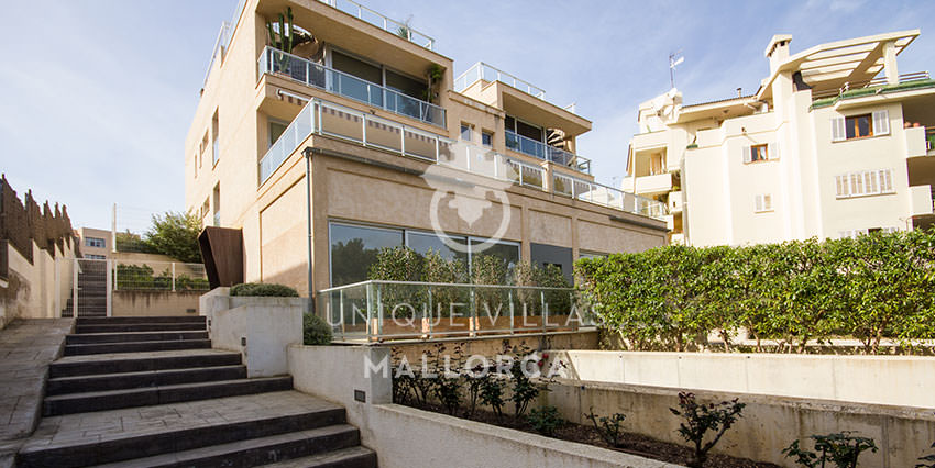 Modern Seafront Ground Floor for Sale in Santa Ponsa-uvm161