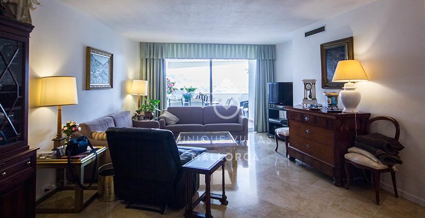 piso la bonanova uvm170 living area