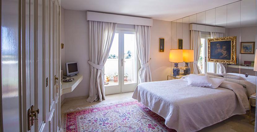 uniquevillasmallorca flat for sale in La Bonanova area 12