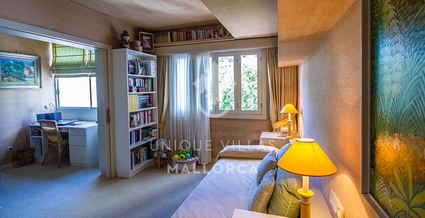 uniquevillasmallorca flat for sale in La Bonanova area 9