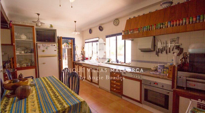 Charming property for sale in Genova uvm177 kitchen