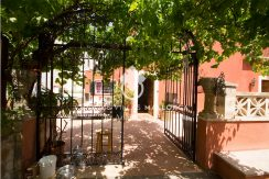 Charming property for sale in Genova uvm177 main door