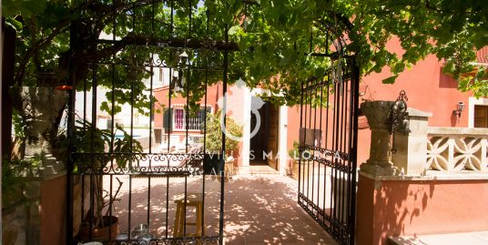 Charming Villa for Sale in Genova-uvm177