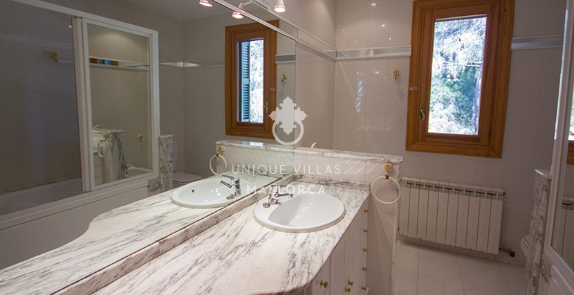 gorgeous villa for sale in son vida uvm174.13