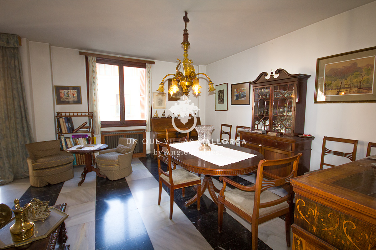 Large Flat to be Reformed for sale in the heart of Palma-uvm183