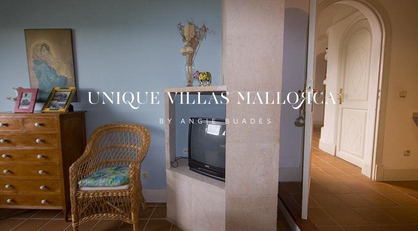 uniquevillasmallorca-property-for-sale-in-la-bonanova-uvm191.11log
