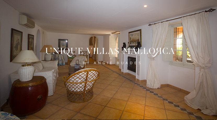 uniquevillasmallorca-property-for-sale-in-la-bonanova-uvm191.20log