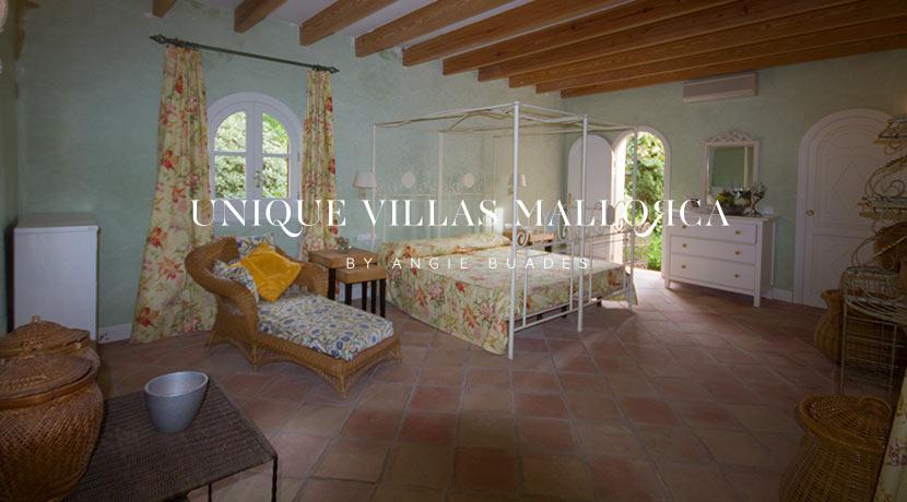 uniquevillasmallorca-property-for-sale-in-la-bonanova-uvm191.33log