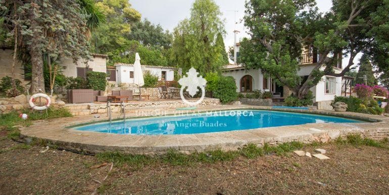 house for sale in la bonanova uvm190.24