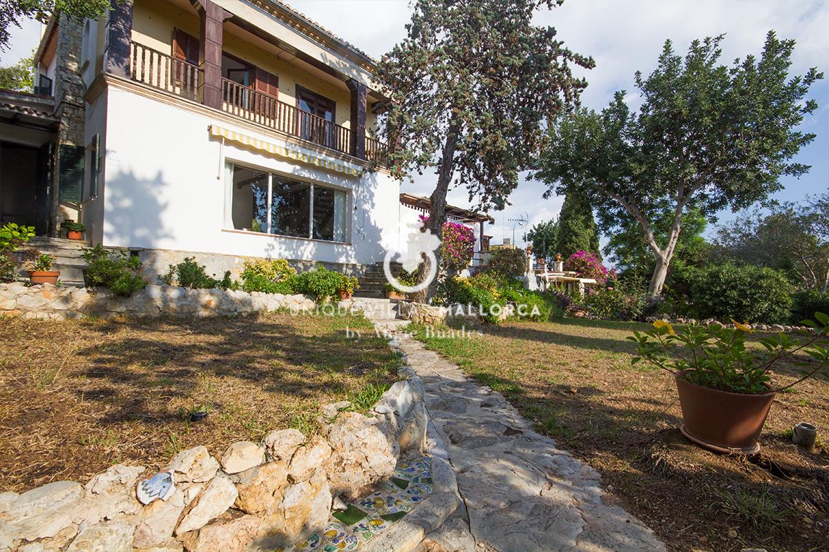 Unique House for Sale in La Bonanova-uvm190