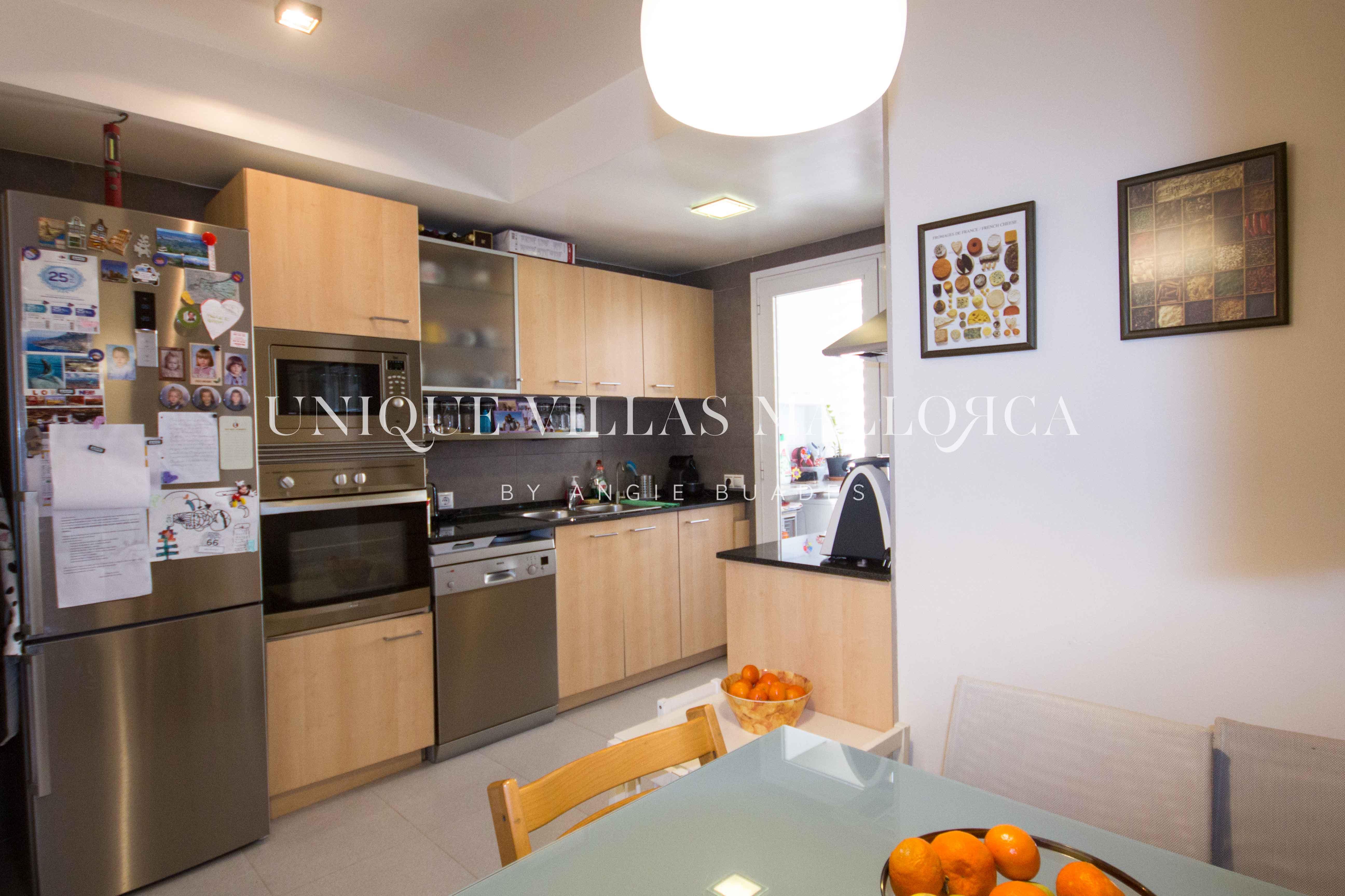 Alegre y luminoso piso en venta en el Terreno-uvm204