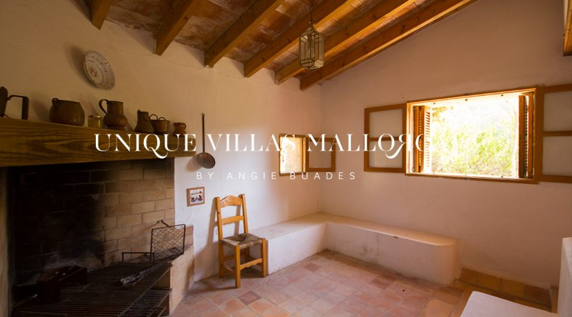 country-house-for-sale-in-calvia-uvm236.21
