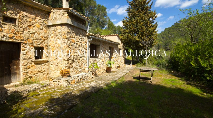 country-house-for-sale-in-calvia-uvm236.7