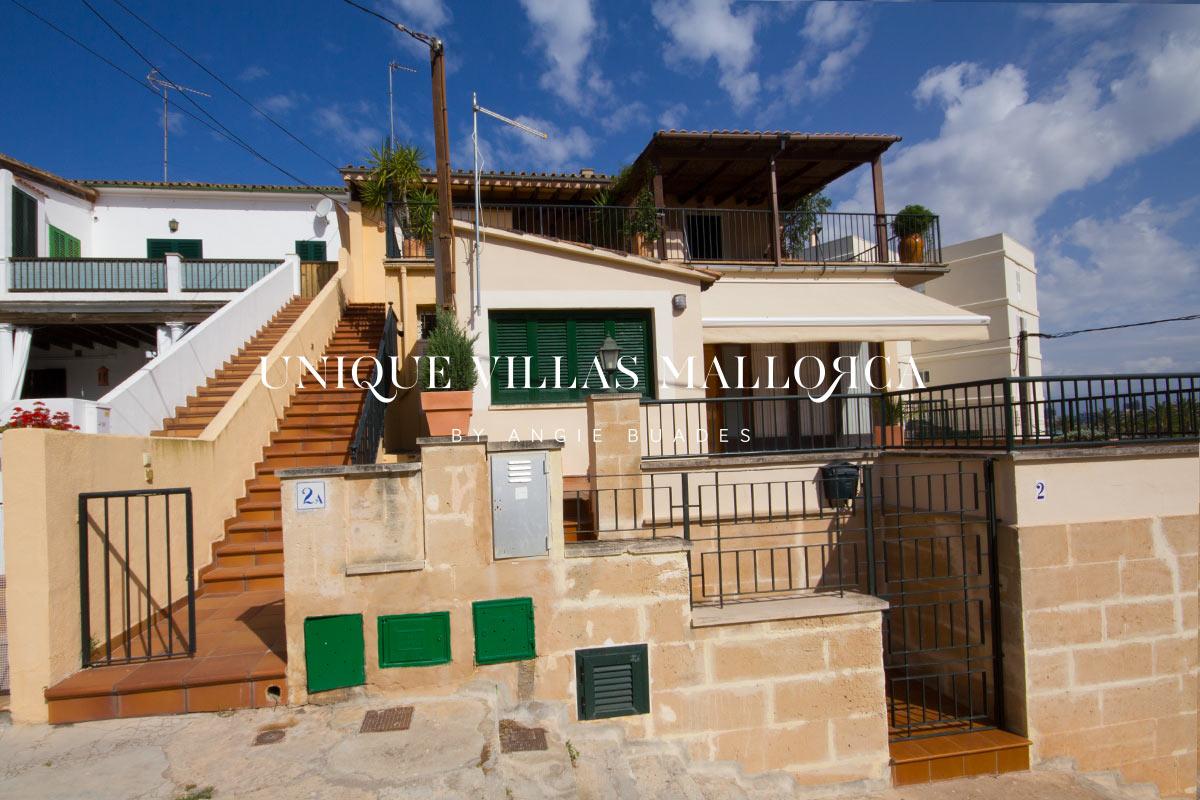 Vivienda de Cuatro dormitorios con Fantásticas vistas al Mar en alquiler en Son Verí-uvmA240