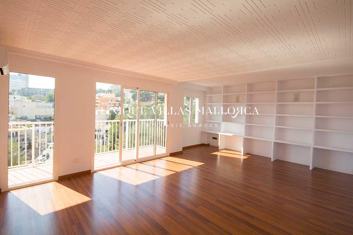 Soleado piso de un dormitorio con cocina equipada en alquiler en El Terreno-uvm260