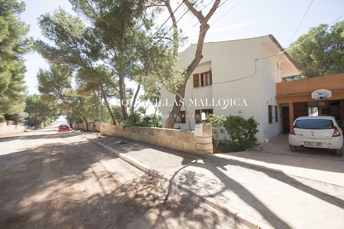 Single family home with garden in second line with seaviews for sale in stunning location-uvm167