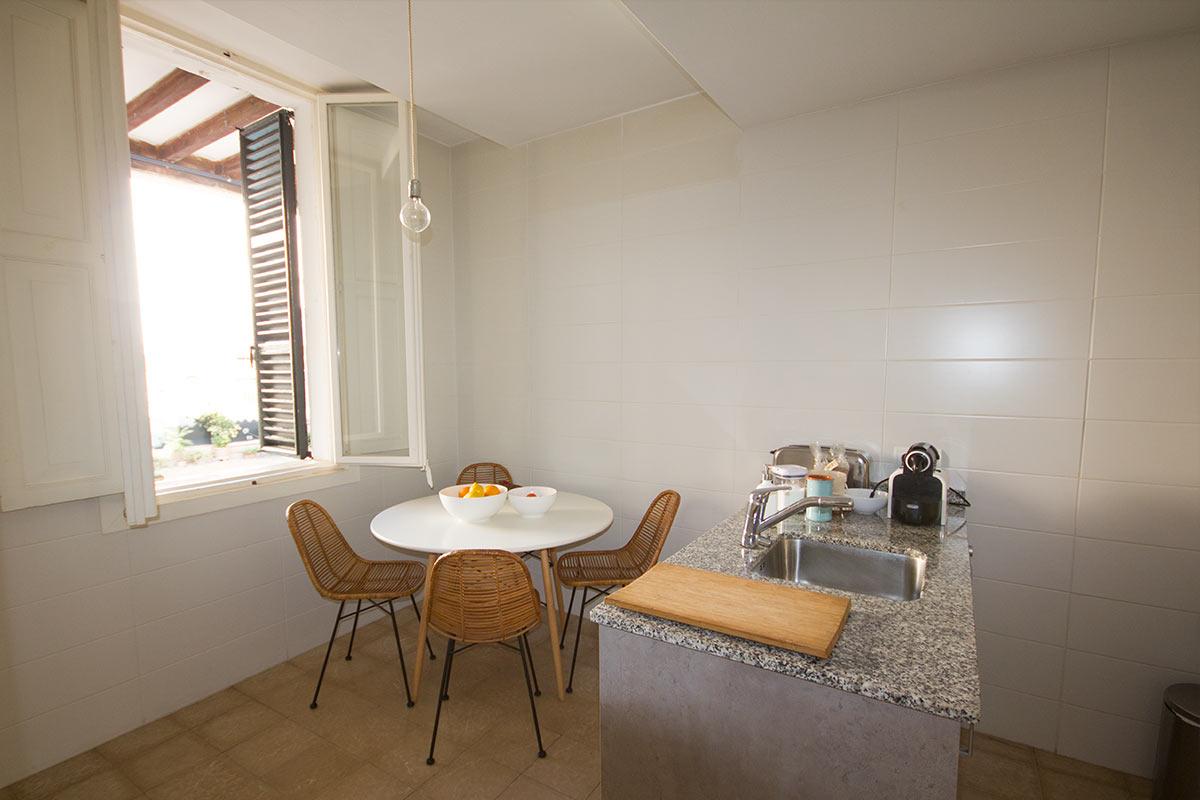 Piso de 2 habitaciones reformado en alquiler en el casco antiguo-uvm72.2