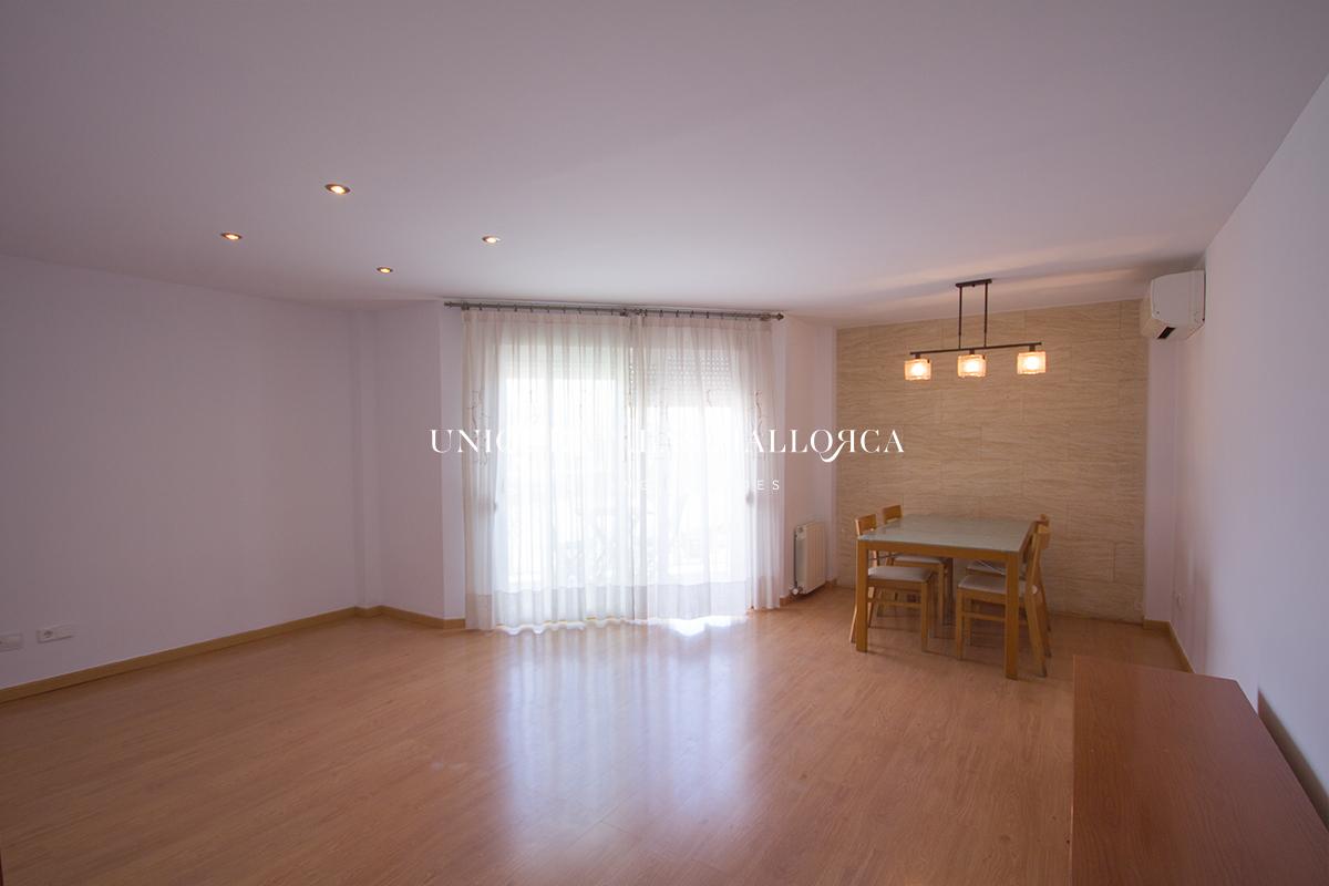 Piso de 3 dormitorios en alquiler en Cas Capiscol-uvm282